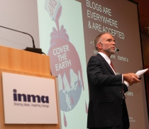 "This is a shot taken during my presentation at the INMA Europe ""Outlook"" conference in Vienna, Oct. 2008"
